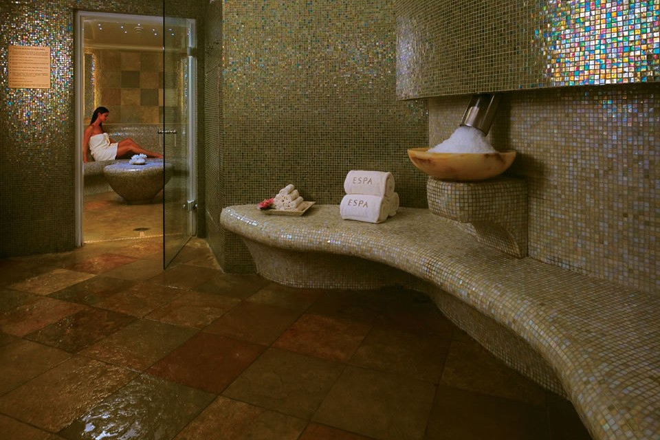 Acqualina-Spa-By-ESPA-Locker-Room