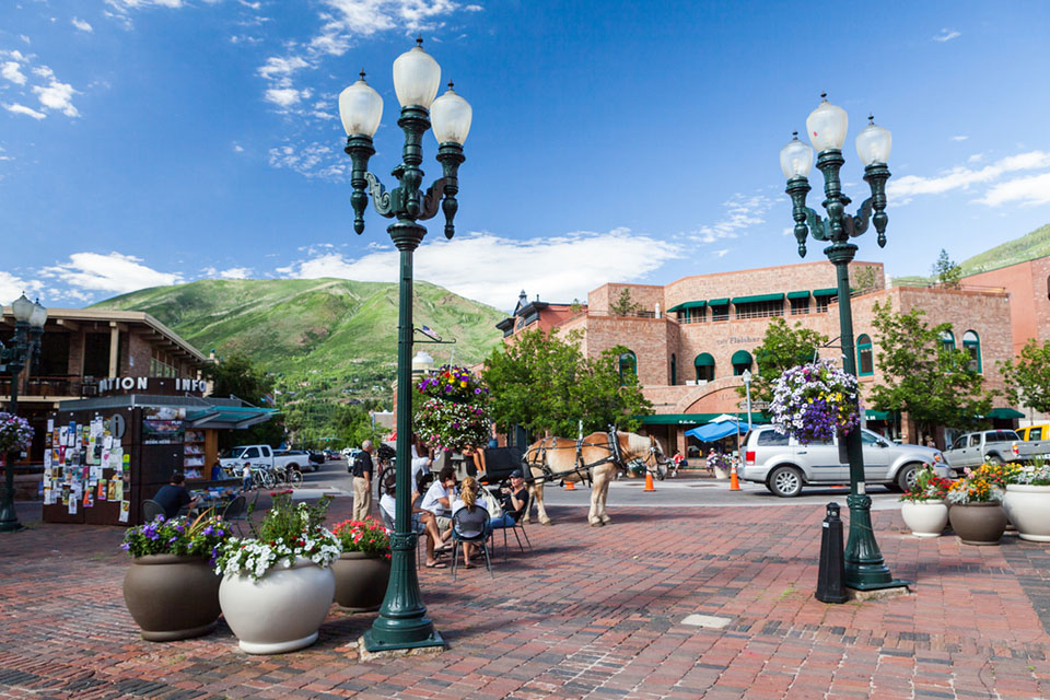 Downtown Aspen (Courtesy of Oscity/Shutterstock.com)