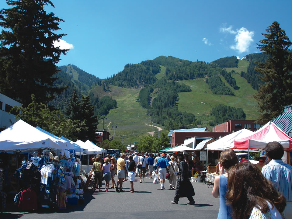 Aspen farmer's market (Photo by Dan Nelson)
