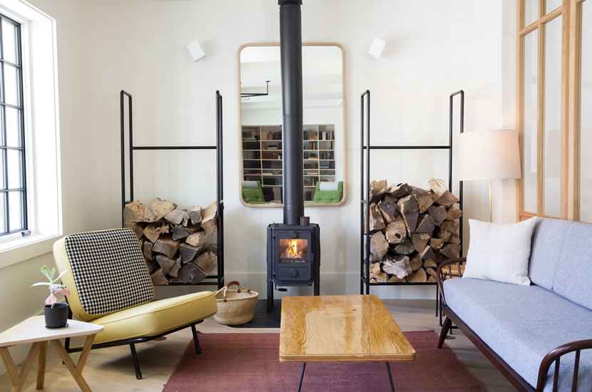rivertown-lodge-lobby-w_-fireplace-photo-credit_-emma-tuccillo